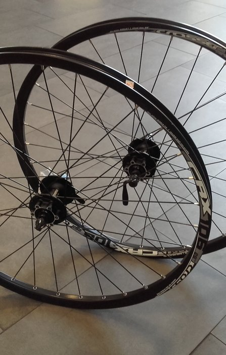 26 SHIMANO - Crosser Disc QR Wheelset / Капли Диск Комплект