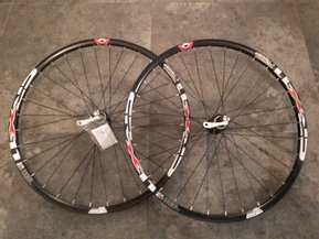 29 Shimano - Crosser Disc CL QR Wheelset / Капли Диск Комплект