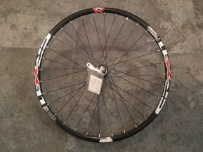 29 Shimano - Crosser Disc CL QR Front Wheel / Предна Капла Диск
